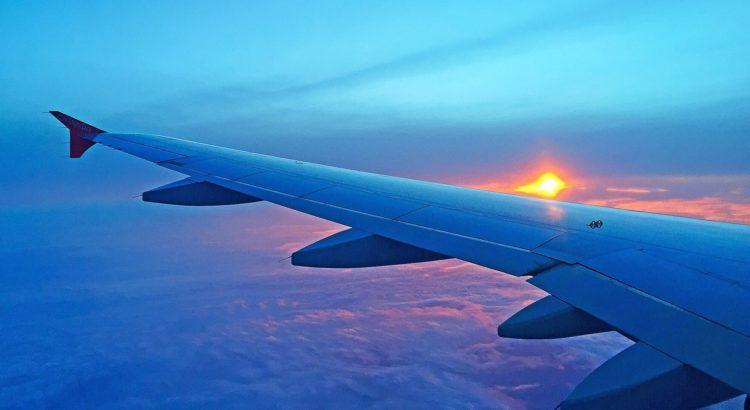 В ригу на самолете